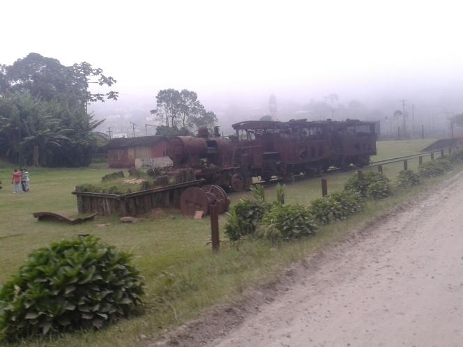 Vila de Paranapiacaba e suas antigas locomotivas abandonadas.